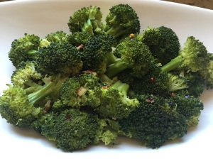1 cup of cooked broccoli packs 5 grams of fiber. © Copyright 2015 Sangeeta Pradhan, RD, LDN, CDE
